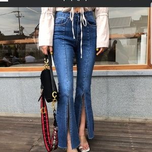 Denim - Slit boots cut Jeans
